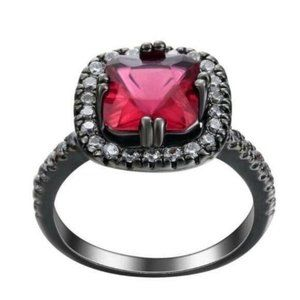 Red Halo Dinner Woman Ring Size 9